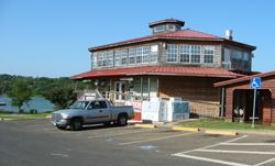 the Joe Pool Marina store
